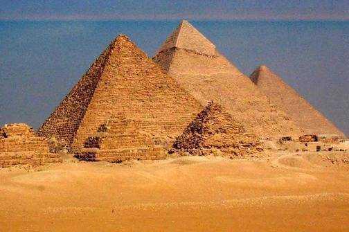 francuski-arheolozi-u-sudanu-otkopali-35-malih-piramida-504x335-20090622-20101019011904-203444